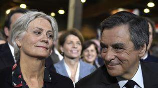 Penelope et François Fillon, lors d'un meeting à Paris, le 29 janvier 2017. (ERIC FEFERBERG / AFP)