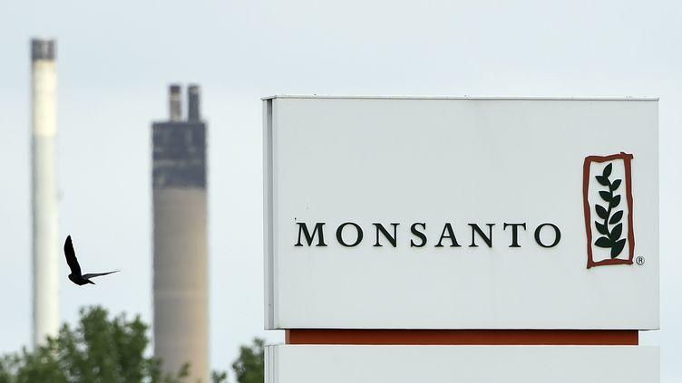 L'entrée d'un site de Monsanto à Lillo, près d'Anvers (Belgique), le 24 mai 2016. (JOHN THYS / AFP)