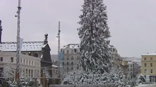Clermont-Ferrand (Puy-de-Dôme) sous la neige (FRANCE 3)