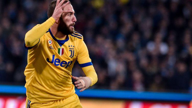 Gonzalo Higuain (Juventus Turin) chambre le public de Naples