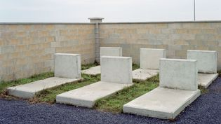 Dans cette ville fantôme, les militaires en formation peuvent s'emparer d'une ville, d'une église ou se planquer dans un cimetière de pierres tombales.