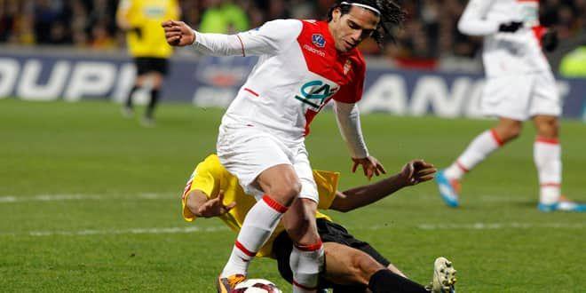 Radamel Falcao se blesse en Coupe de France contre Chasselay