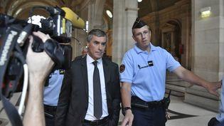 Jérôme Cahuzac arrive au palais de justice de Paris, le 5 septembre 2016. (PHILIPPE LOPEZ / AFP)