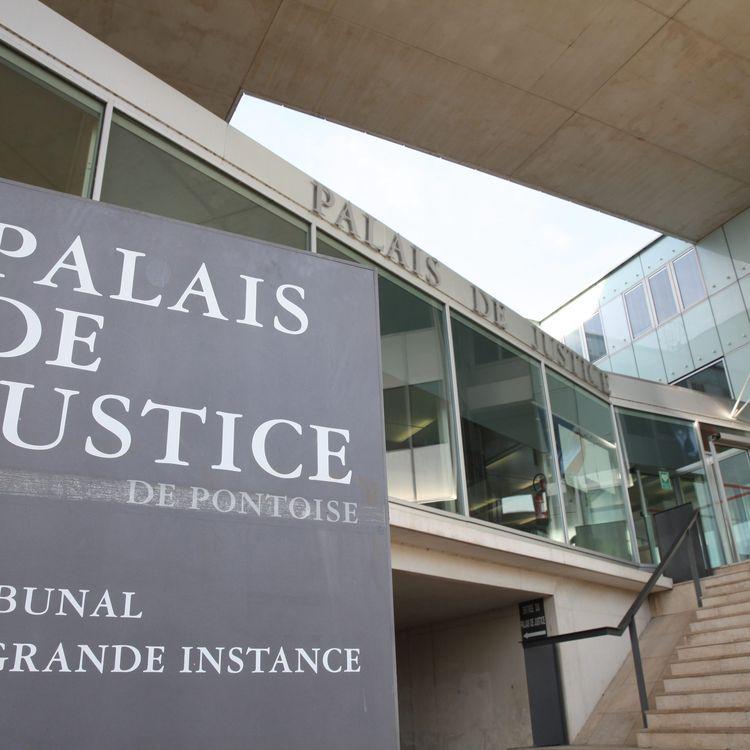 Le palais de justice de Pontoise (Val-d'Oise), le 3 octobre 2017. (MAXPPP)