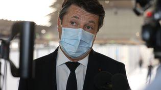 Christian Estrosi, le 7 mai 2021, lors d'une conférence de presse à Nice. (ERIC OTTINO / MAXPPP)
