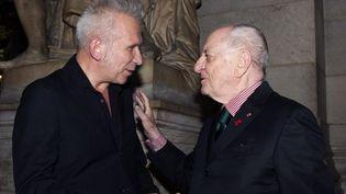 Jean Paul Gaultier et Pierre Bergé juste avant le diner en faveur du Sidaction, le jeuid 24 janvier à Paris  (MIGUEL MEDINA / AFP)