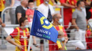 Le drapeau de la Ligue de football professionnel, lors d'un match entre Lens et Saint-Etienne, le 15 août. (LAURENT SANSON / AFP)