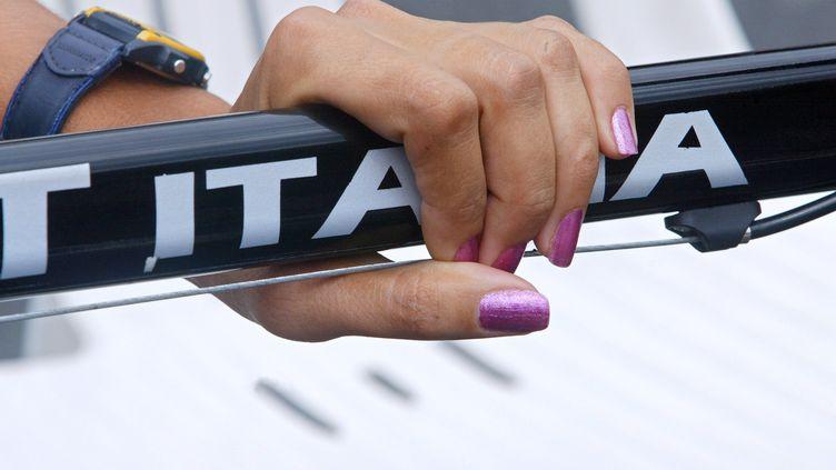 Photo prise en 2002 à Paris, lors de la 11e édition de la Grande Boucle féminine cycliste. (JEAN-PIERRE MULLER / AFP)