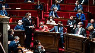 Le ministre de la Santé, Olivier Véran, lors des questions au gouvernement, le 1er juin 2021, à l'Assemblée nationale, à Paris. (XOSE BOUZAS / HANS LUCAS / AFP)