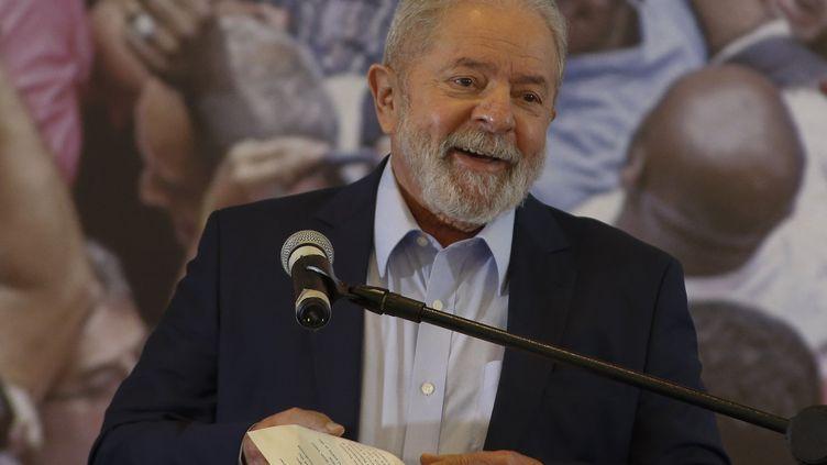 L'ancien président brésilien Lula, à Sao Paulo, en mars 2021. (MIGUEL SCHINCARIOL / AFP)