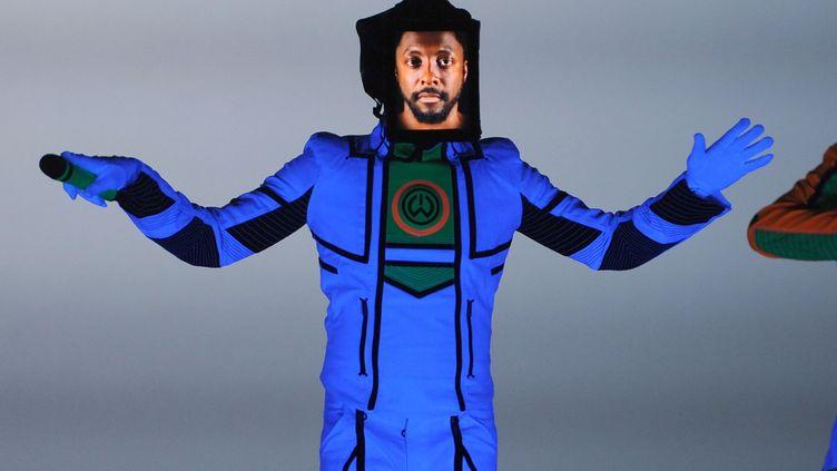 Le chanteur des Black Eyed Peas, will.i.am, en concert àLos Angeles (Etats-Unis), le 9 décembre 2011. (MARK DAVIS / GETTY IMAGES NORTH AMERICA)
