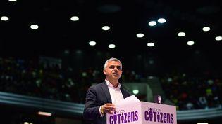 Le nouveau maire de Londres, Sadiq Khan, lors d'un meeting le 28 avril 2016. (LEON NEAL / AFP)