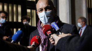 Laurent Berger répond aux questions des journalistes le 27 octobre 2020 à Paris. (LUDOVIC MARIN / AFP)