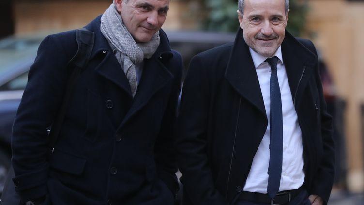 Le président autonomiste du conseil exécutif de Corse, Gilles Simeoni (à gauche) et le président nationaliste de l'Assemblée de Corse, Jean-Guy Talamoni, le 22 janvier 2018 à Paris. (JACQUES DEMARTHON / AFP)