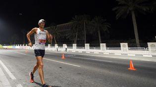 Yohann Diniz lors du 50 km marche aux championnats du monde à Doha, le 28 septembre 2019. (PHILIPPE MILLEREAU / KMSP)