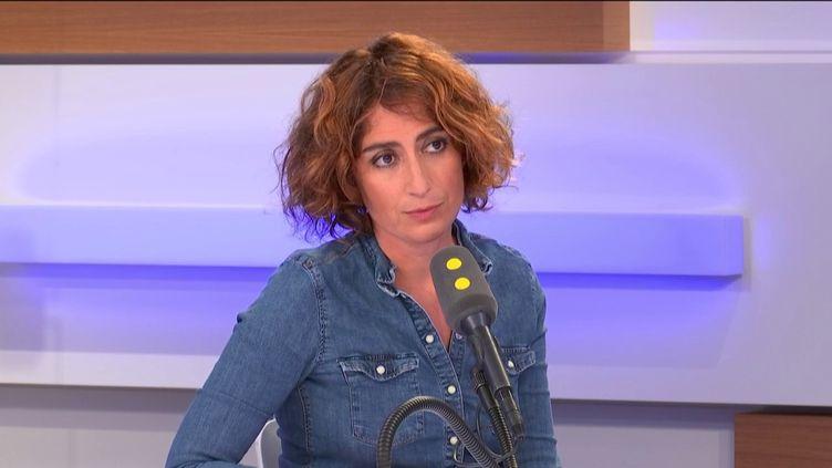 Isabelle Saporta, candidate aux municipales à Paris sur la liste de Gaspard Gantzer, est l'invitée du 18h50 politique. (FRANCEINFO / RADIOFRANCE)