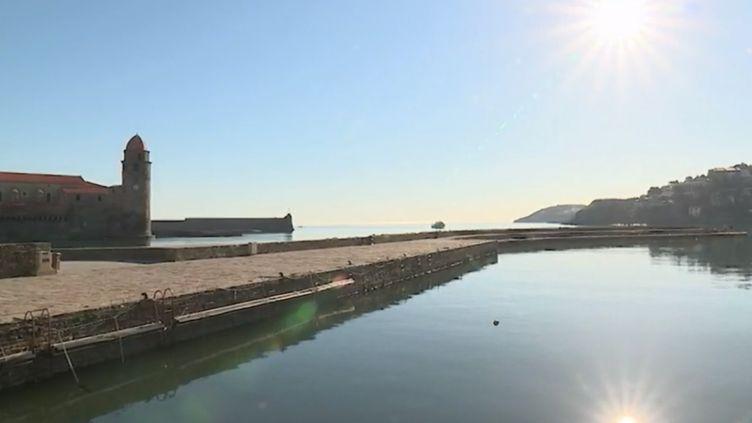 Des températures dignes d'un moi de juillet sont attendues partout en France ce jeudi 30 mars. Le ciel est bleu et le soleil brille, notamment à Collioure, dans les Pyrénées-Orientales. (FRANCE 2)
