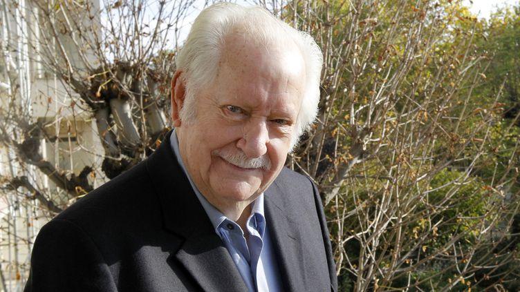 Pierre Bellemare à son domicile à Neuilly, le 25 octobre 2011. (PATRICK KOVARIK / AFP)