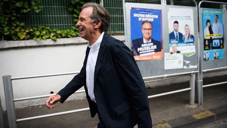 Le président LR sortant de Paca, Renaud Muselier, lors du premier tour des élections régionales à Marseille (Bouches-du-Rhône), dimanche 20 juin 2021. (CLEMENT MAHOUDEAU / AFP)