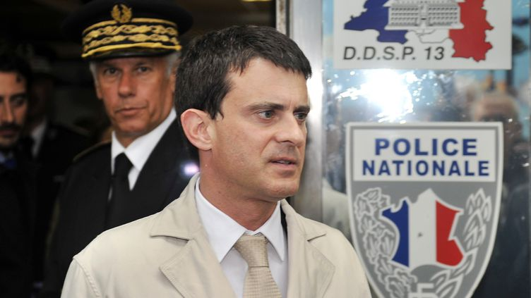 Le ministre de l'Intérieur, Manuel Valls, le 21 mai 2012 à Marseille. (BORIS HORVAT / AFP)