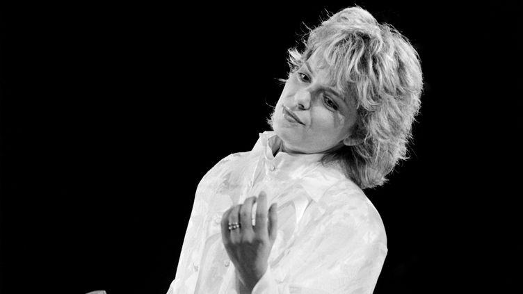 La chanteuse France Gall se produit au Palais Omnisport de Bercy, le 4 novembre 1985 (ARCHIVE / AFP)