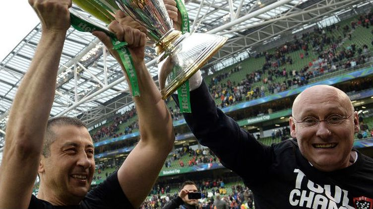 Mourad Boudjellal et Bernard Laporte avec la Coupe d'Europe