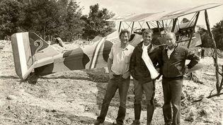 """En août 1982, Jean-Paul Belmondo a tourné à l'aérodrome de La Ferté-Alais avec Jean Salis et Gérard Ourypour le film """"L'As des as"""". (SALIS AVIATION)"""