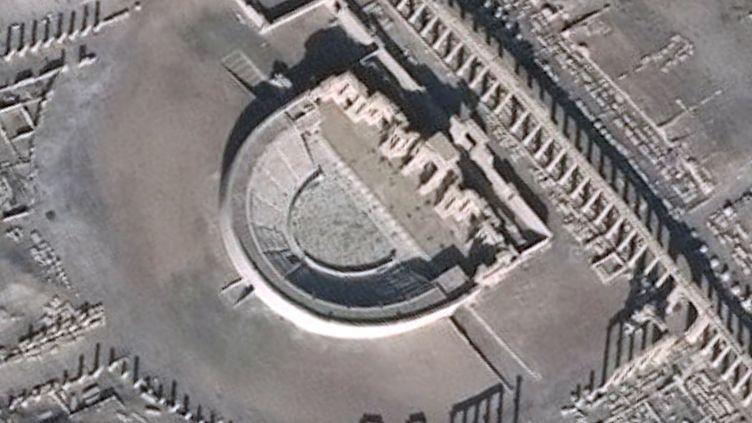 Photos satellite, publiées le 20 janvier 2017, montrant des images du site antique de Palmyre (Syrie) où des trésors archéologiques ont été détruits. (UNITAR-UNOSAT / AFP)