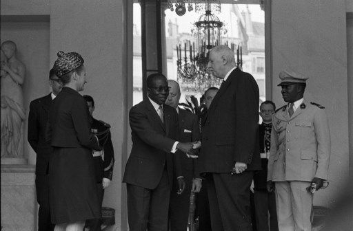 Léopold Sédar Senghor et le général De Gaulle à l'Elysée en 1968 (JEAN CLAUDE MALLINJOD / INA)