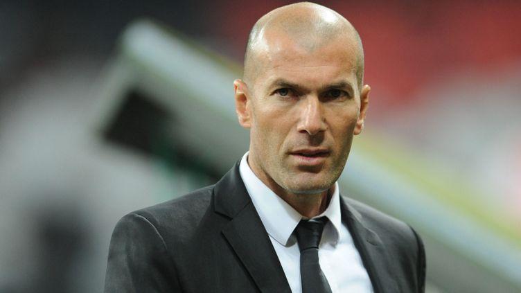 (Zinedine Zidane va être privé de banc de touche pendant trois mois faute de diplôme  © MaxPPP)