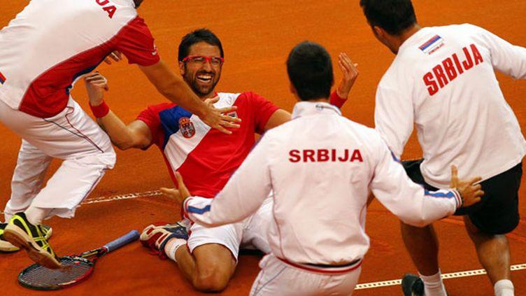 Le bonheur de Janko Tipsarevic, félicité par ses coéquipiers