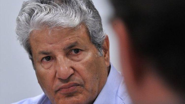 Abdel Fatah Younès, lors d'une conférence de presse, à Bruxelles, le  28 avril 2011 (AFP/GEORGES GOBET)