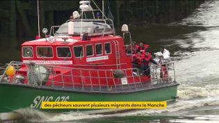 Des migrants ramenés à terre par des pêcheurs àBoulogne-sur-Mer (FRANCEINFO)