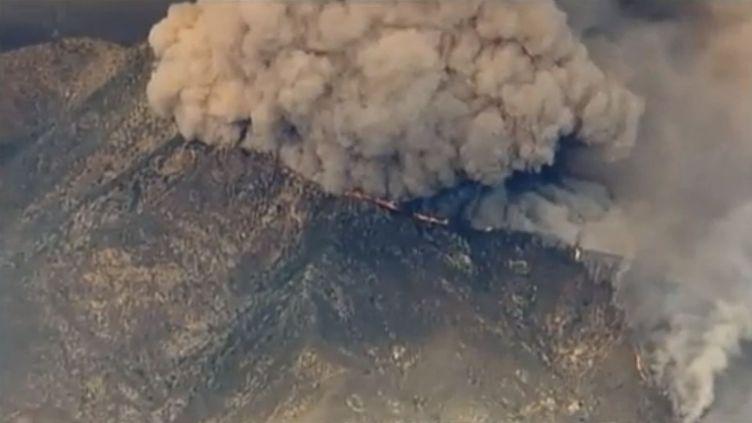 Un incendie ravage la forêt nationale d'Angeles, le 2 septembre 2012 en Californie (Etats-Unis). (FTVI / APTN)