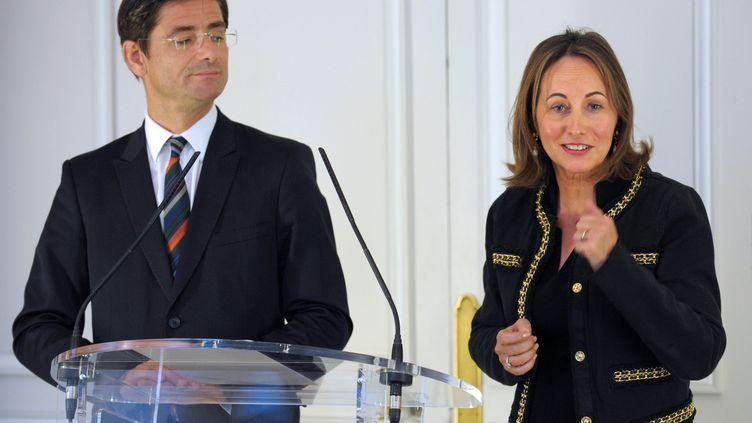 Nicolas Dufourcq, le directeur général de la BPI, etSégolène Royal, la vice-présidente,le 22 avril 2013 à Paris. (ERIC PIERMONT / AFP)