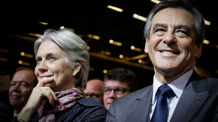 Penelope et François Fillon, lors d'un meeting du candidat Les Républicains, le 25 novembre 2016. (THOMAS PADILLA / MAXPPP)