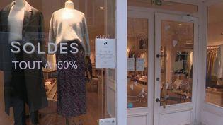 Covid-19 : les petits commerces pourront rester ouverts (FRANCE 3)