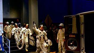 Les astronautes Neil Armstrong, Michael Collins et Buzz Aldrin sur le point d'embarquer pour la mission Apollo 11, le 16 juillet 1969, à Cap Canaveral (Floride). (NASA / REUTERS)