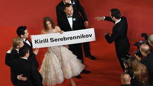 L'équipe du film L'été sur le tapis rouge à Cannes, sans le réalisateur russe, Kirill Serebrennikov, le 9 mai 2018. (LOIC VENANCE / AFP)