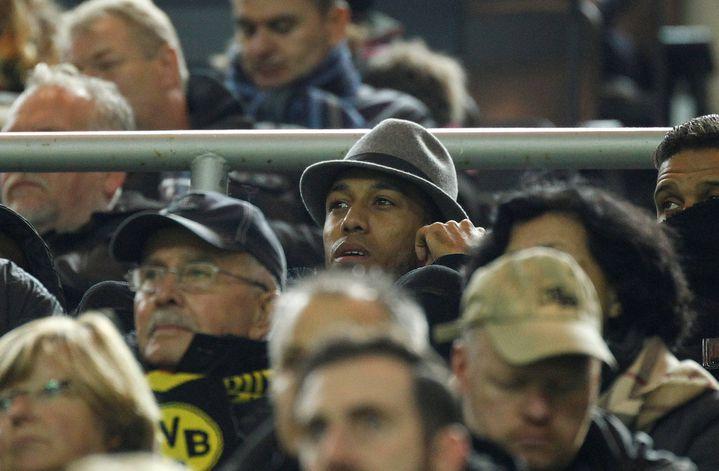 Pierre-Emerick Aubameyang en tribunes lors du match contre le Sporting