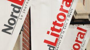 Des fanions siglés du logo du quotidien nordiste Nord Littoral, quotidien du Pas-de-Calais, le 12 octobre 2008. (PHILIPPE TURPIN / MAXPPP)
