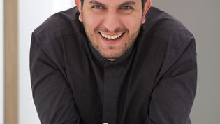 Le chef d'origine algérienne Akrame Benallal est un homme très créatif, qui vit à 100 à l'heure. (AKRAME BENALLAL)