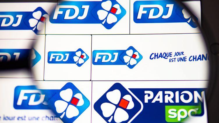 Des logos de la Française des Jeux, un des opérateurs de paris sportifs (illustration). (MAXPPP)
