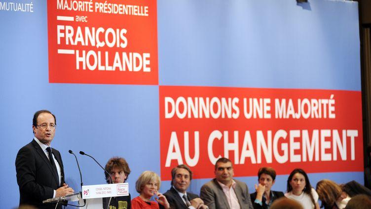 Le président élu, François Hollande, donne un discours à l'occasion du Conseil national du Parti socialiste à Paris, le 14 mai 2012. (BERTRAND GUAY / AFP)