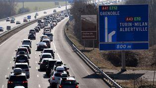 Bouchon sur l'autoroute, le 18 février 2017. (Photo d'illustration) (JEAN-PIERRE CLATOT / AFP)