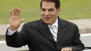 Zine El Abidine Ben Ali, alors président de la Tunisie, en déplacement à Radès, le 11 octobre 2009. (HASSENE DRIDI/AP/SIPA / SIPA)