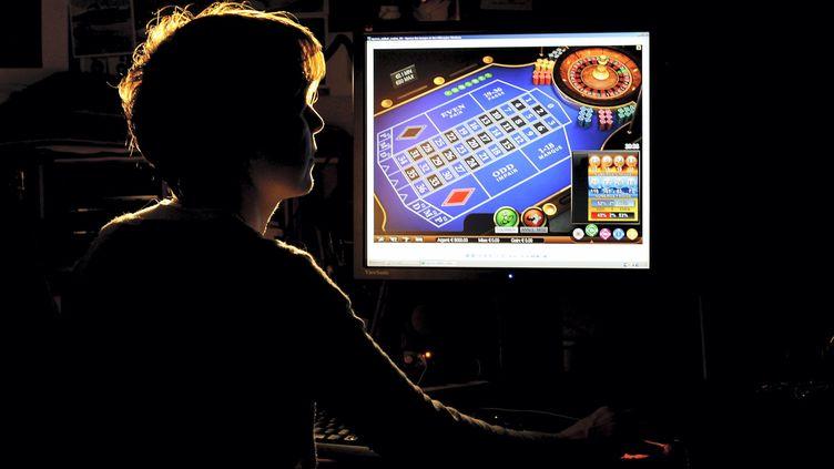 Confinement et jeux d'argent en ligne, une affaire qui roule... trop bien ? (illustration) (XAVIER DE FENOYL / MAXPPP)