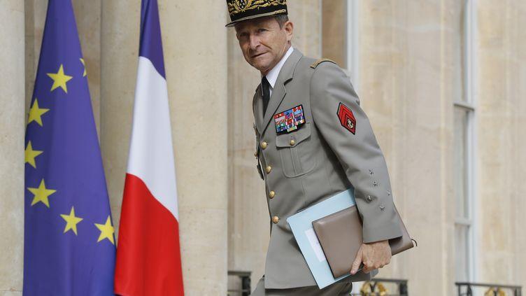 Lechef d'état-major des armées, Pierre de Villiers, à son arrivée à l'Elysée pour un sommet franco-allemand, le 13 juillet 2017. (PATRICK KOVARIK / AFP)