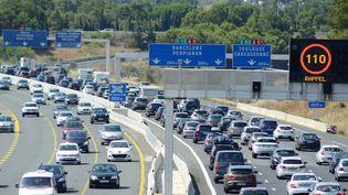 Des bouchons sur l'autoroute A9 au niveau de Narbonne (Aude), le 29 juillet 2017. (MAXPPP)
