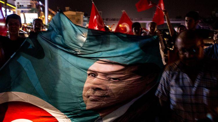 (Manifestation en soutien au président Erdogan samedi à Ankara © Chris McGrath / AFP)